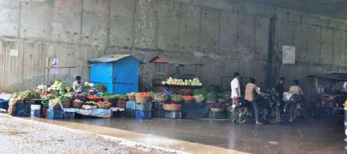 Before completion of mumbai goa highway, there are peddlers in the subway