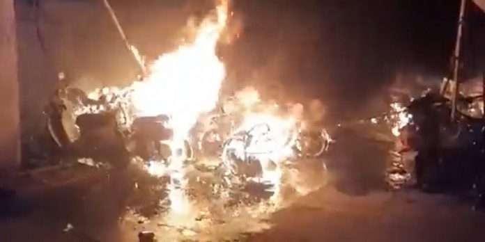 Kurla Fire: 30-35 bikes burnt Fire breaks in building parking lot at Kurla
