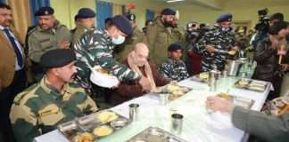 amit shah spends night at crpf camp in pulwama and take dinner with soldiers