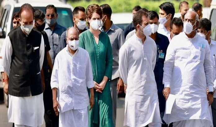 Congress delegation led by rahul gandhi meet President ramnath kovind