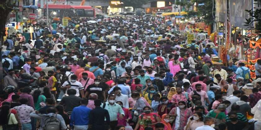 Dussehra 2021 Flower Market Crowded For Shopping On Eve Of Dussehra
