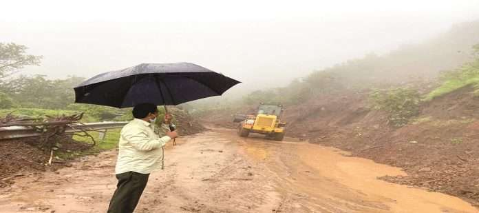 Large amount of funds for the repair of Ambenali Ghat;But Danger situation of bridge in rain