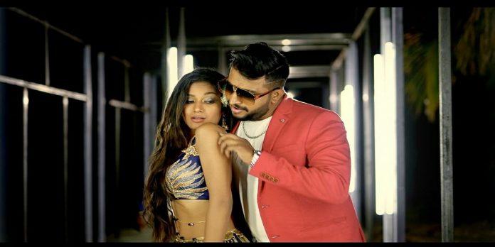 actress purva shinde's bold look in prem majha Mouth Freshener song
