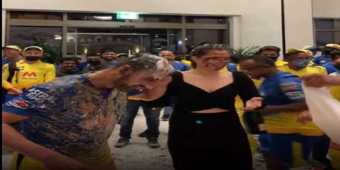 after Deepak Chahar proposes to girlfriend Jaya Bhardwaj Video of celebration with Dhoni and team goes viral