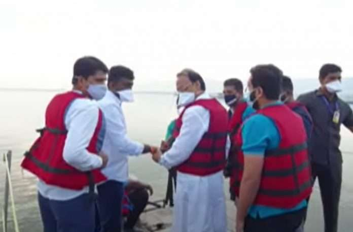 ajit pawar boat stuck in mid water of kasarsai dam during inspection tour