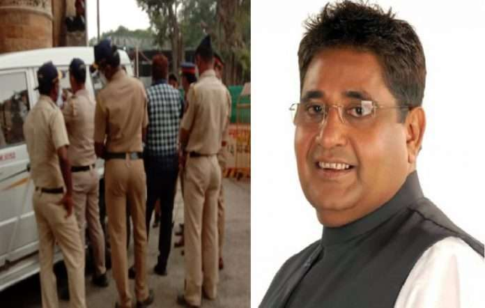 police fined corporator kaptan malik due to violate corona rules