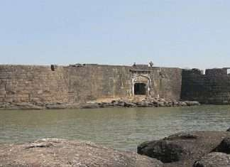 At Kolaba Fort in Alibag, 22 young guides will tell the history of the fort